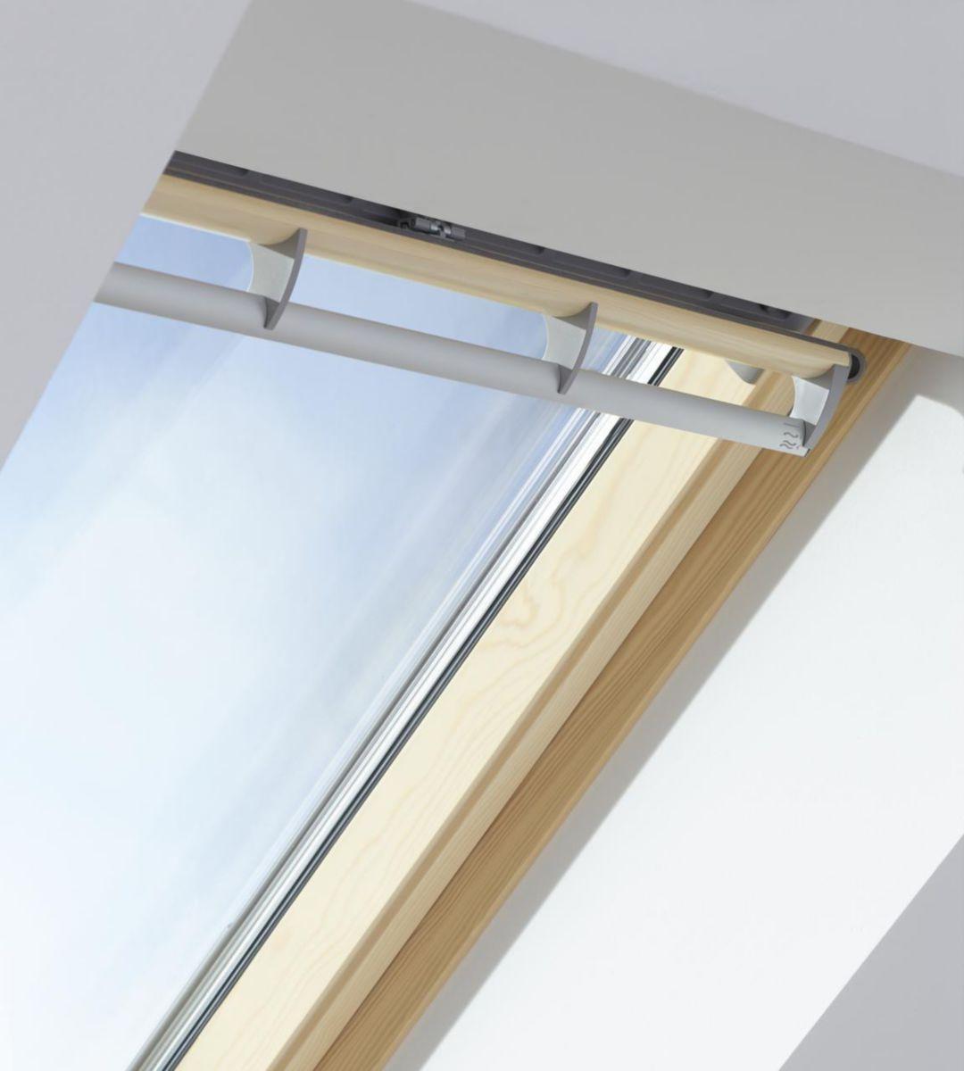 velux fen tre de toit lectrique rotation ggl integra. Black Bedroom Furniture Sets. Home Design Ideas