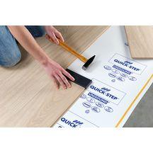 kit de pose quick step pour sol stratifi avec le syst me uniclic qstool quick step. Black Bedroom Furniture Sets. Home Design Ideas