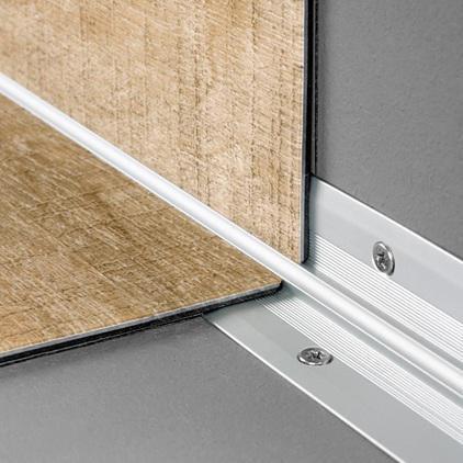 Quick Step Profile Interieur D Escalier Pour Sols Livyn A Coller Aluminium Argent L 2 M 25x25 Mm Point P