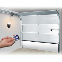 motorisation de porte de garage portes de garage menuiseries ext rieures distributeur de. Black Bedroom Furniture Sets. Home Design Ideas