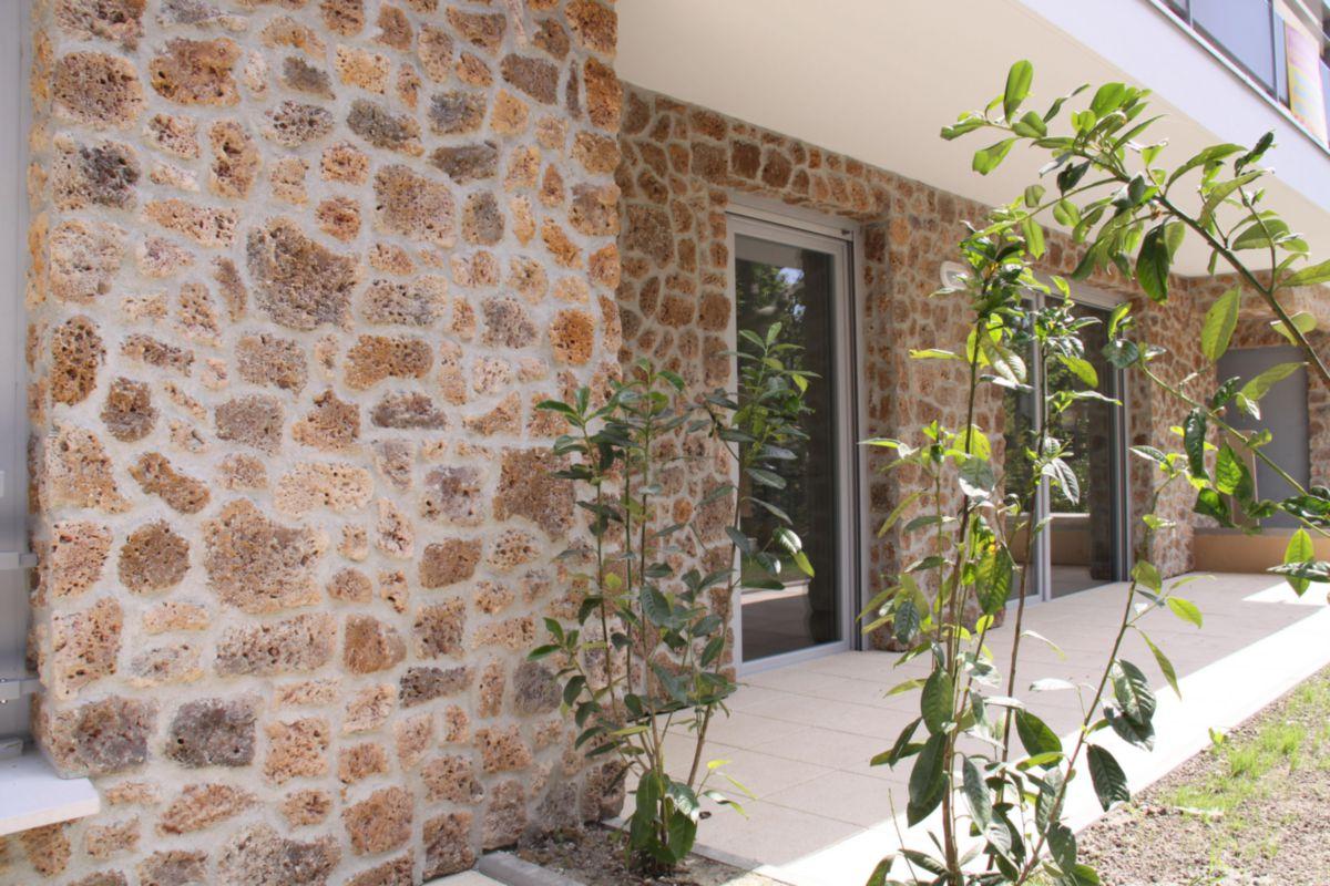 Revetement mur exterieur maison latest les meilleures for Pierre decorative exterieure
