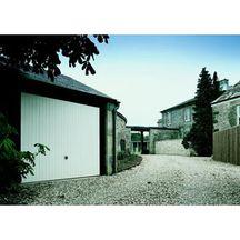 Porte de garage basculante d bordante avec rails motif 124 for Porte de garage tubauto point p