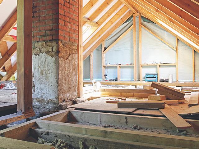 Plancher dans une maison en construction