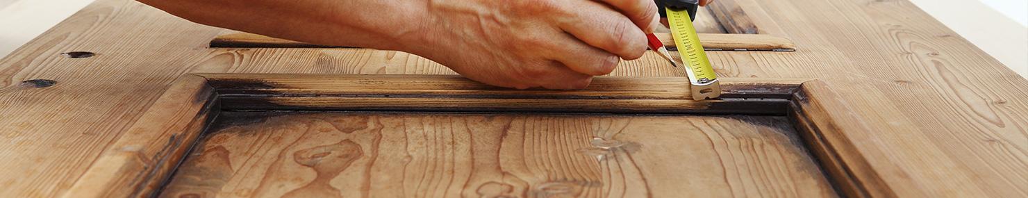 Prise de cotes pour une porte en bois