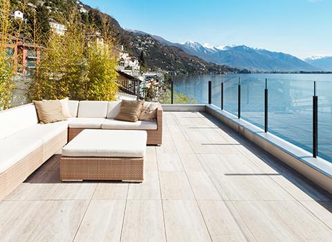 Terrasse en marbre, un revêtement classique