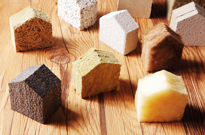 Isolant laine minérale, isolant naturel, isolant synthétique : quel matériau choisir pour la meilleure isolation des murs par l'intérieur ?