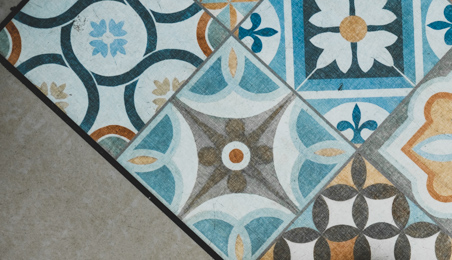 Sol en carreaux de ciment décoratifs