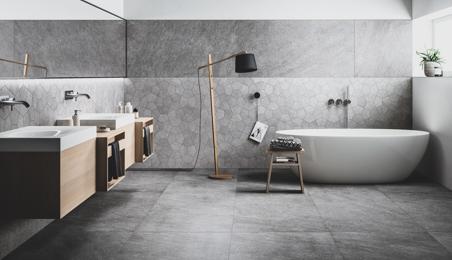 Salle de bain moderne avec carrelage gris anthracite au sol