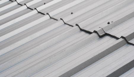 Plaques de toit en acier