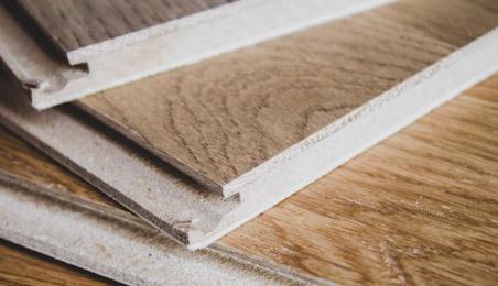 Lames de sol stratifié teinte bois naturel