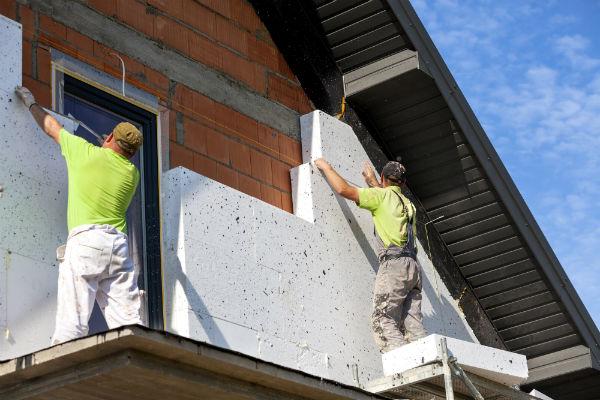 Technique d'isolation extérieure avec panneaux polystyrène
