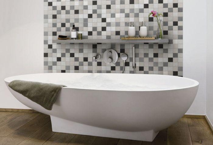 Un mur en zellige pour une ambiance zen dans la salle de bain